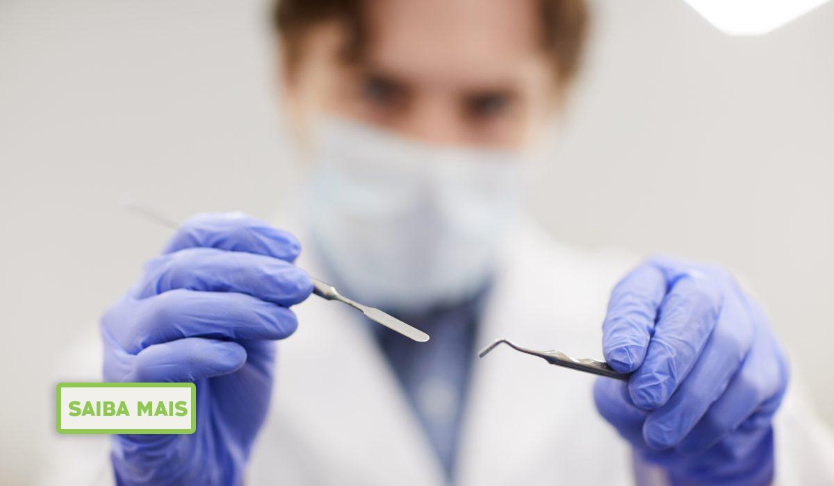 Conhecimento de cirurgiões-dentistas sobre a relação entre disfunção temporomandibular e fatores oclusais